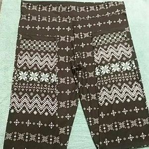 NWOT Snowflake leggings